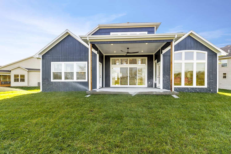 transitional-home-exterior-backyard