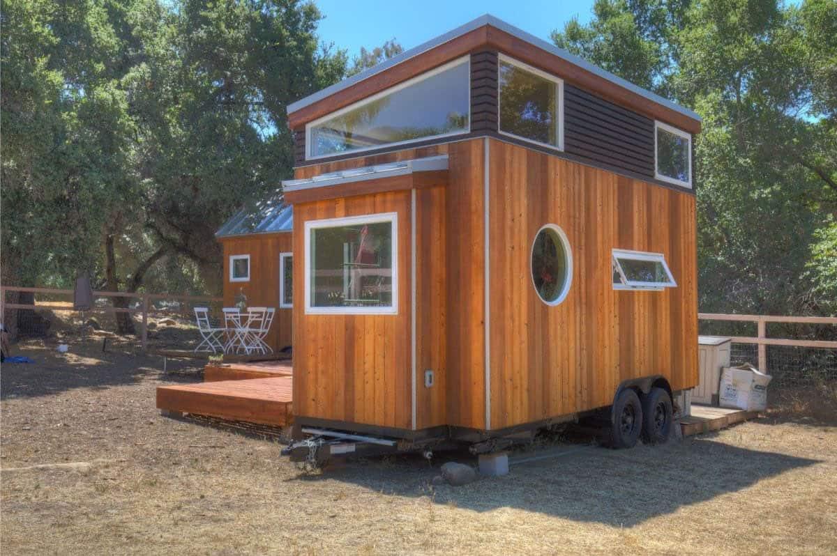 tiny-house-exterior