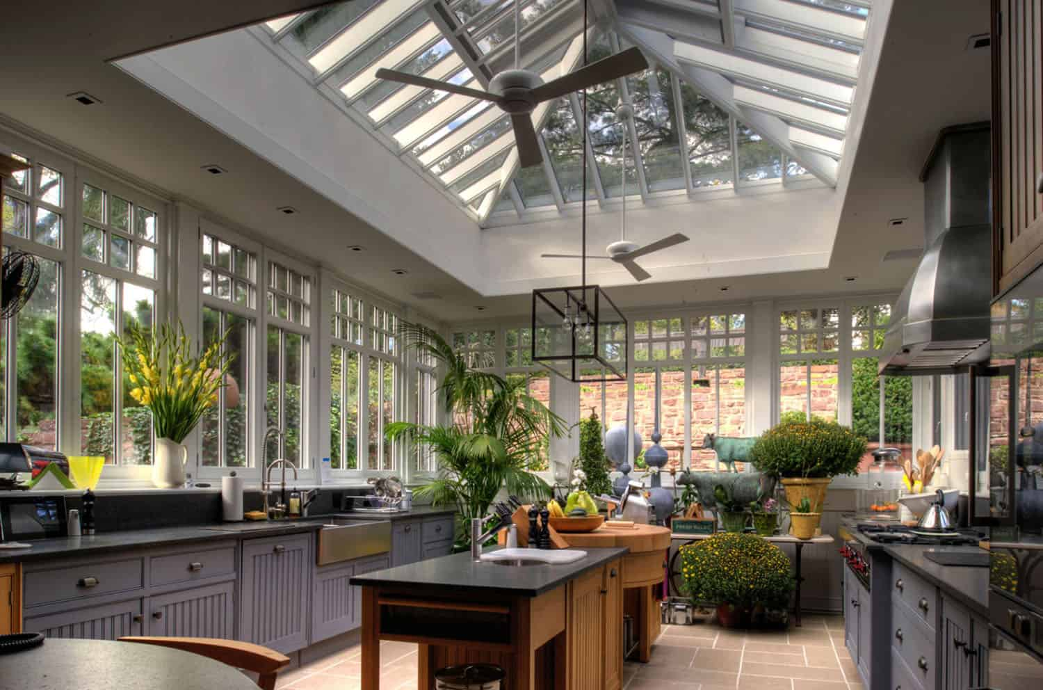 rustic-farmhouse-conservatory-kitchen