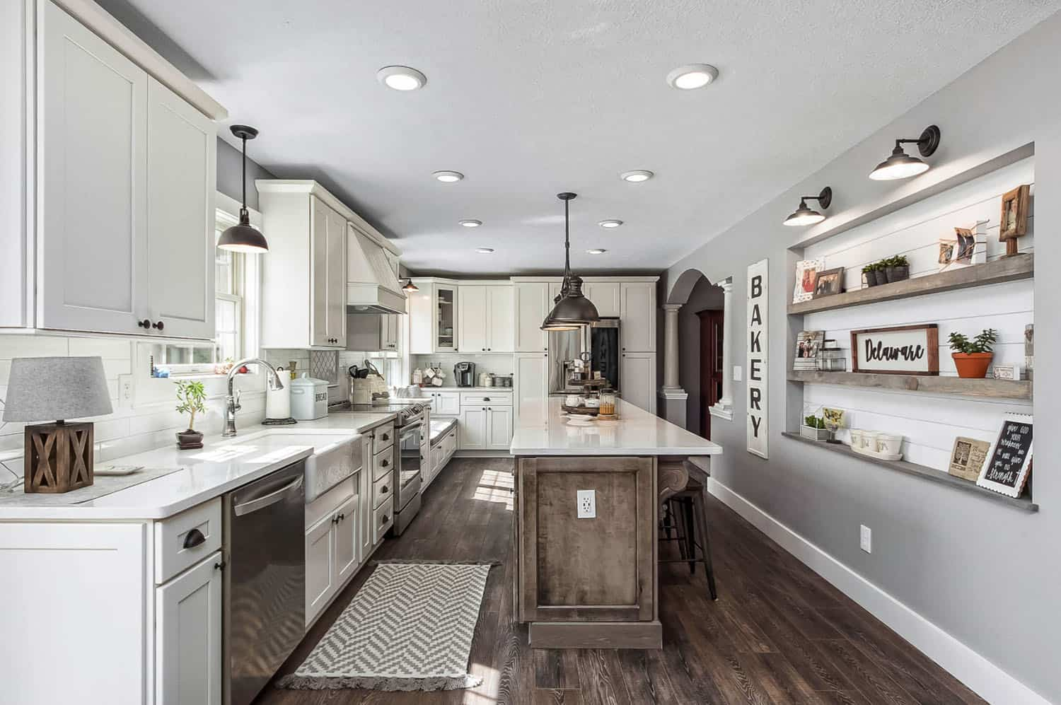 rustic-farmhouse-kitchen