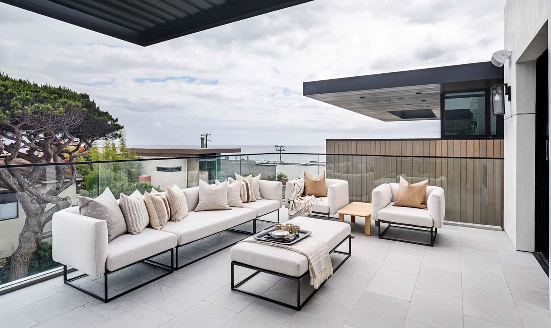 coastal-style-patio