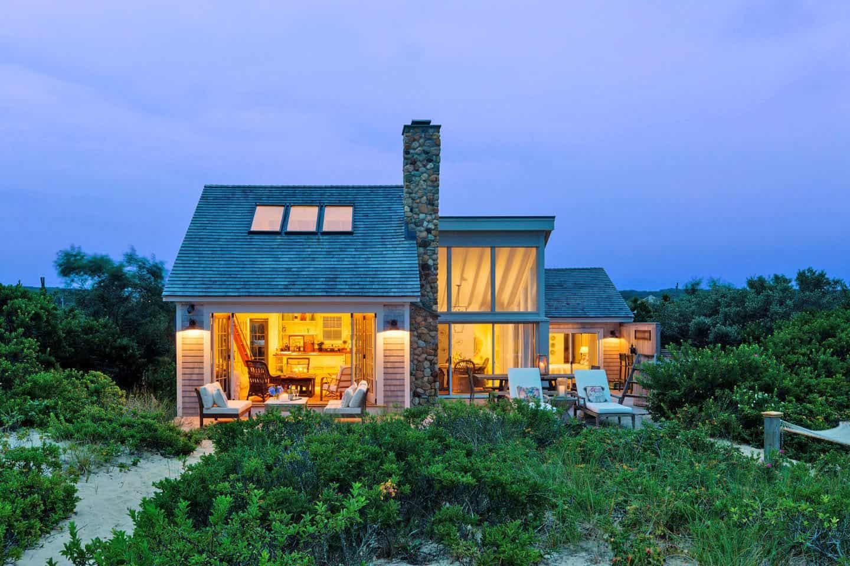 Contemporary beach shack provides a cozy getaway in Martha's Vineyard