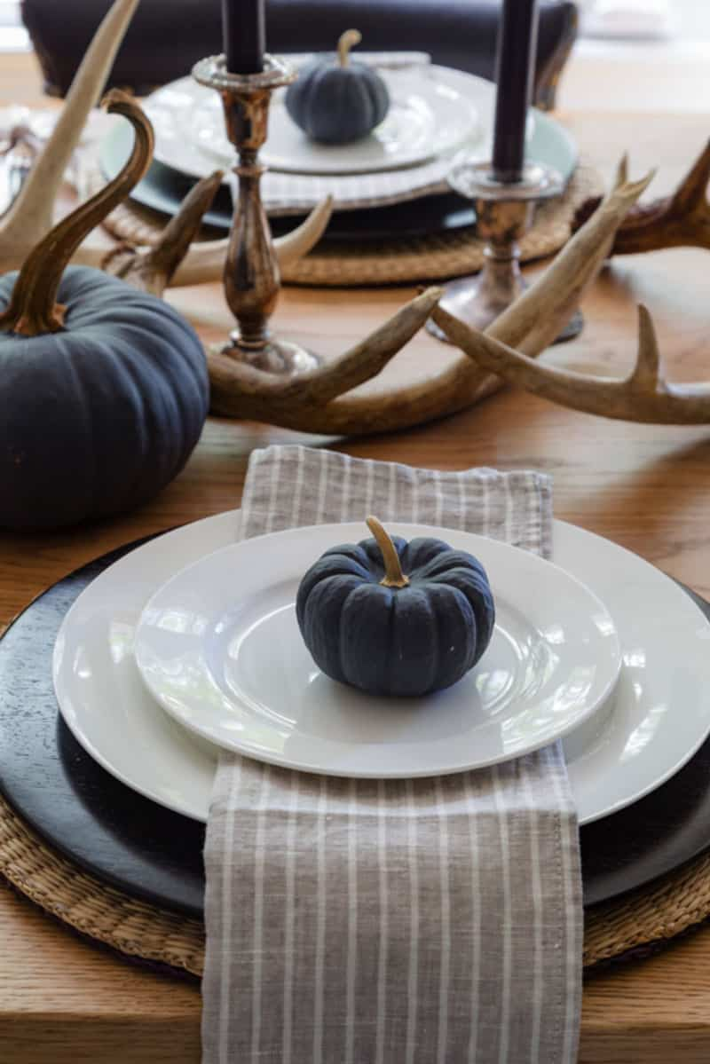 contemporary-fall-home-tour-dining-table-setting