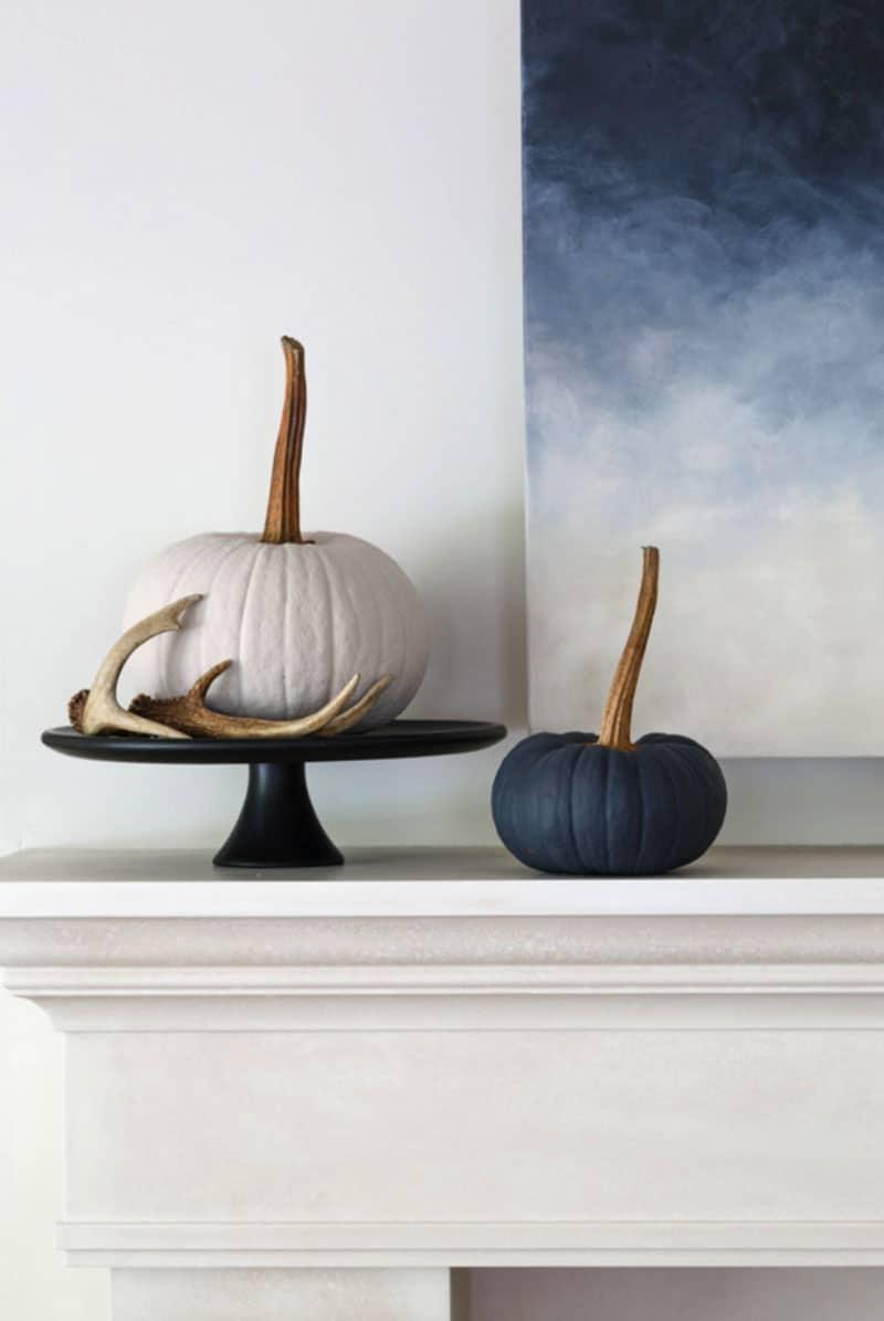 contemporary-fall-home-tour-living-room-fireplace-mantel-decor