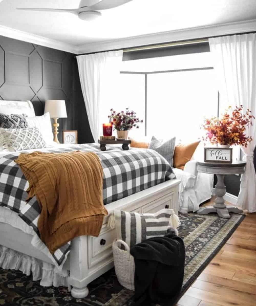 cozy-fall-farmhouse-bedroom