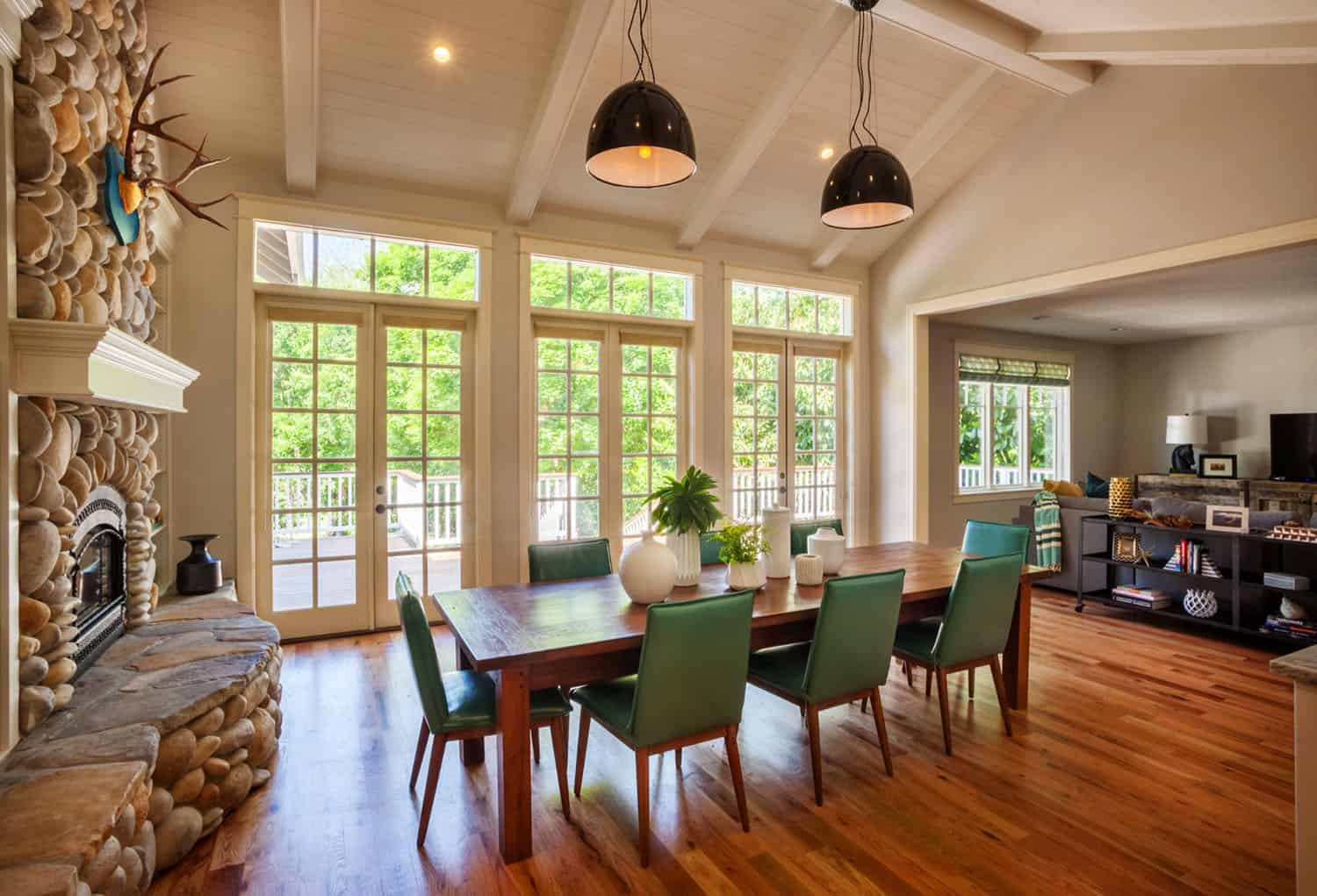 craftsman-cottage-casual-dining-room