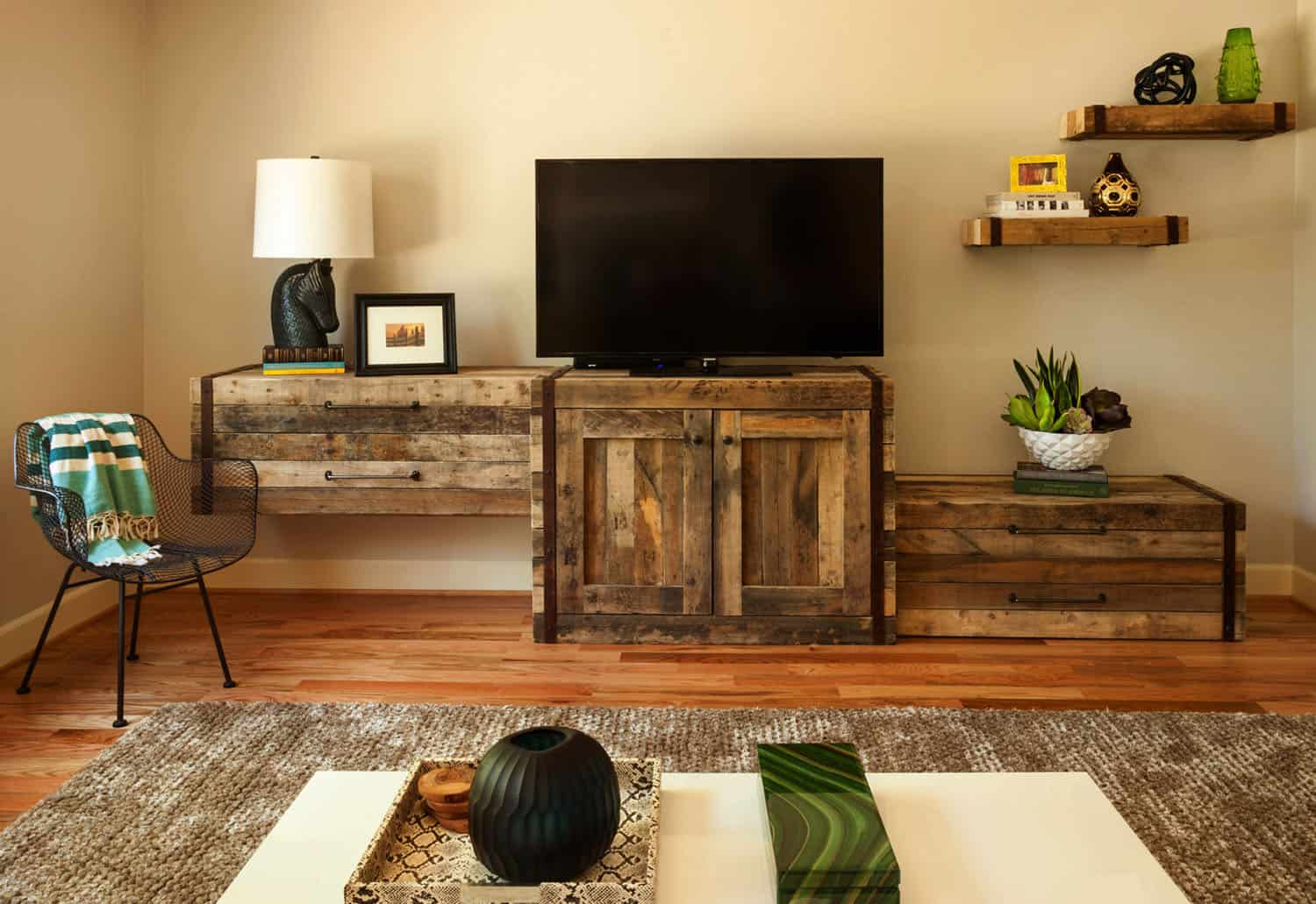 living-room-design-with-rustic-industrial-elements