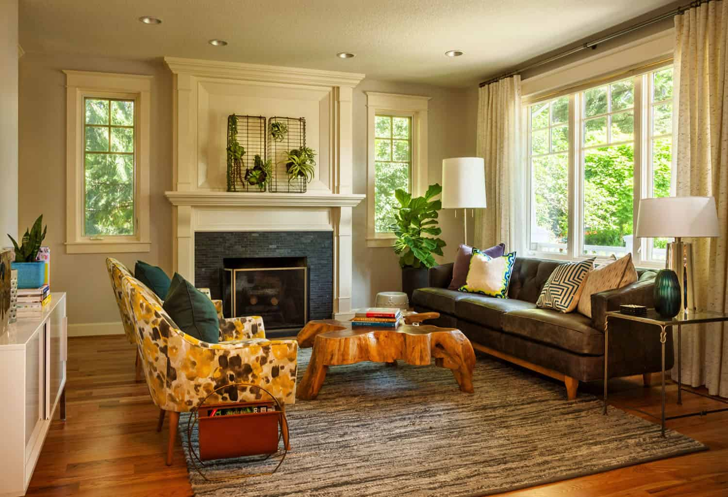 eclectic-mid-century-living-room