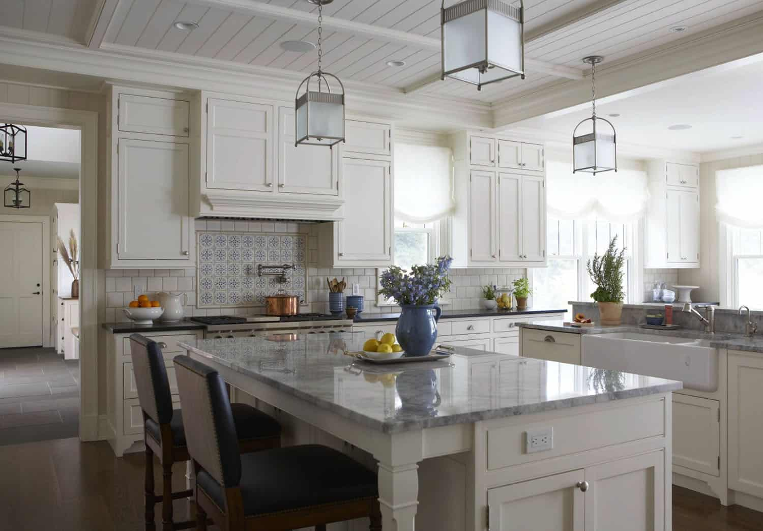 kitchen-traditional