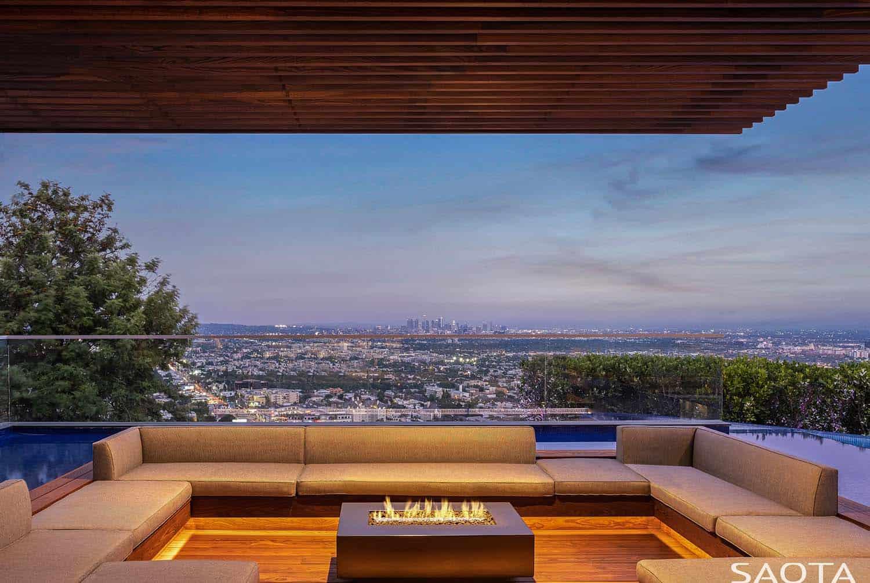 modern-luxury-hillside-home-patio