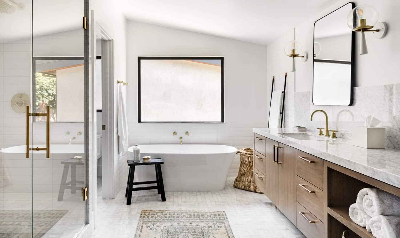 mid-century-coastal-bathroom