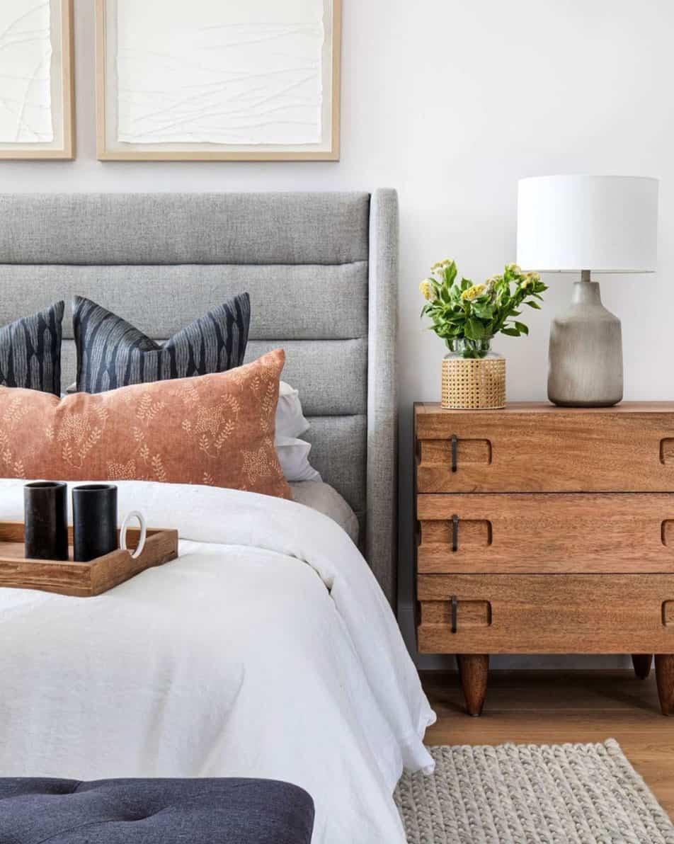mid-century-coastal-bedroom