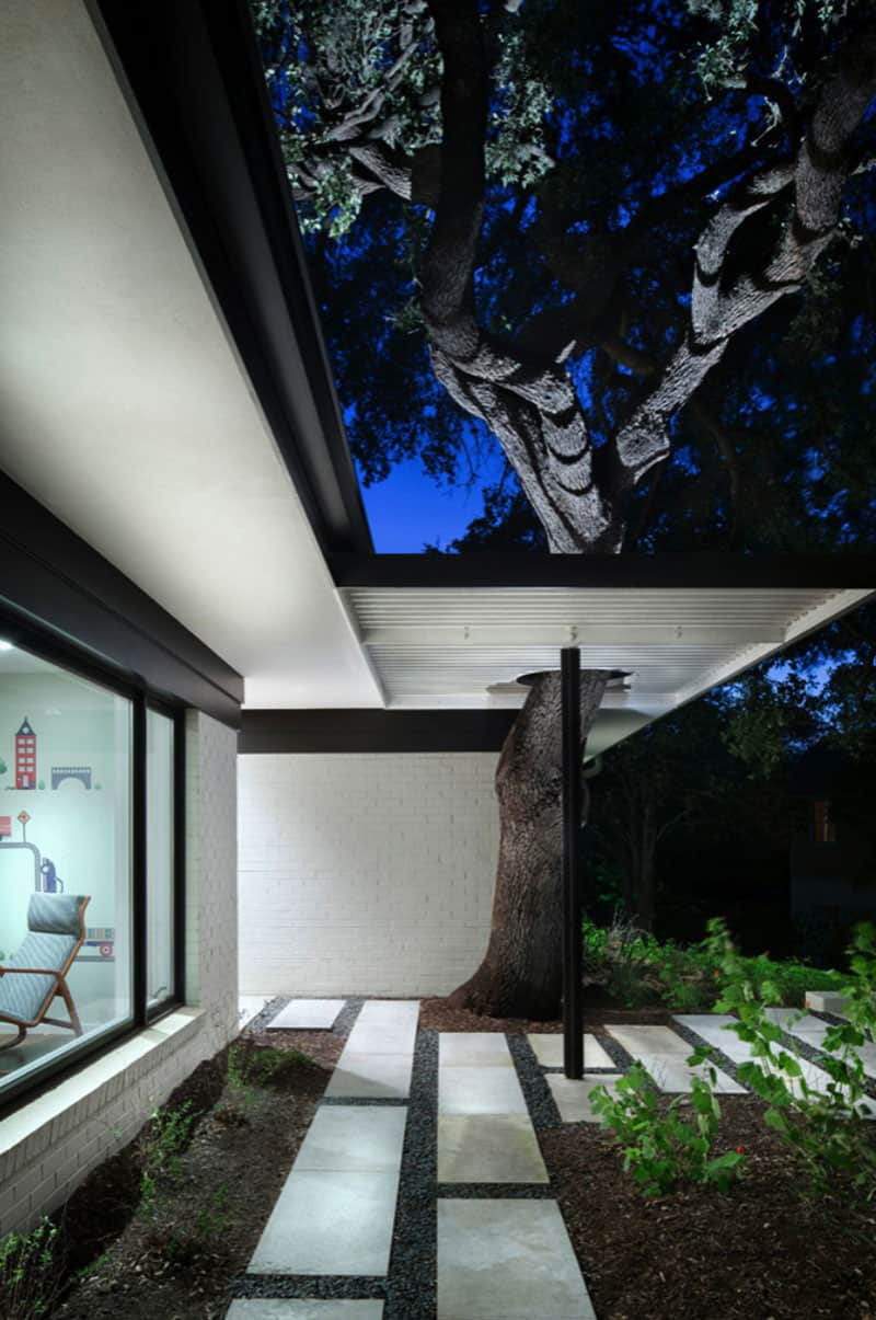 contemporary-home-porch