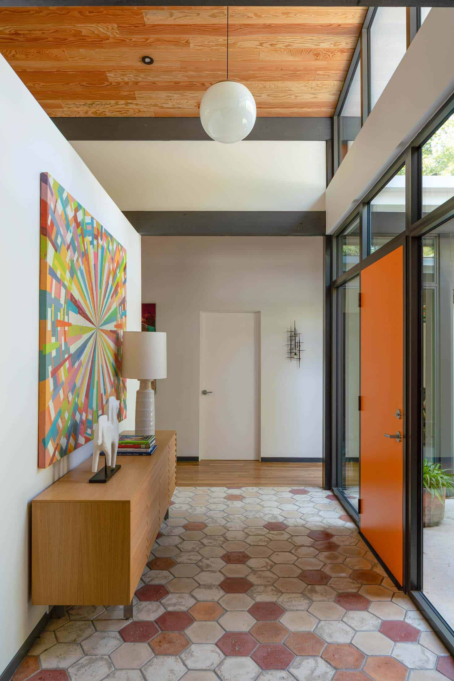 midcentury-house-entry