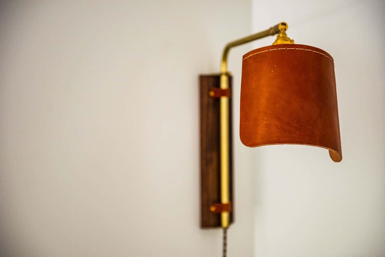 modern-farmhouse-hall-reading-nook-light-fixture
