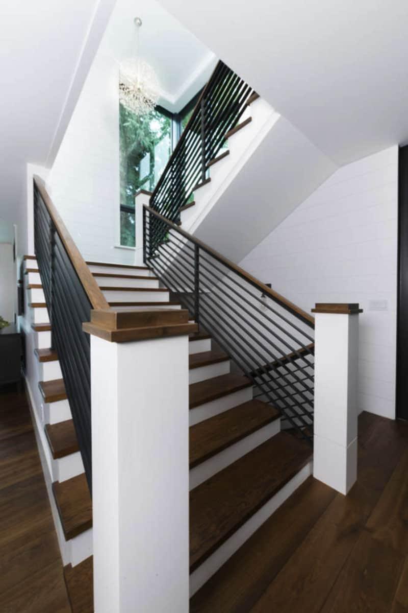 modern-farmhouse-staircase