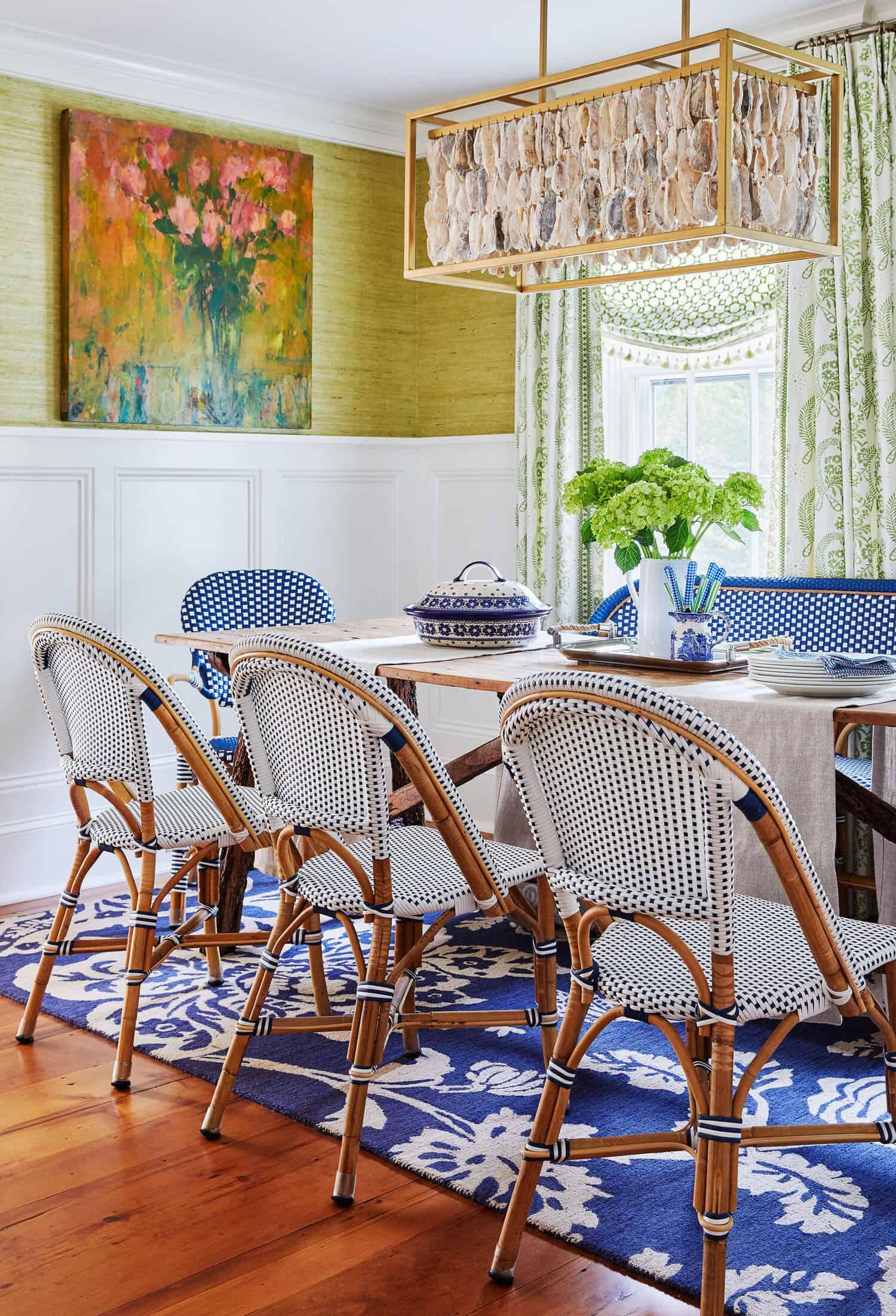 coastal-style-dining-room