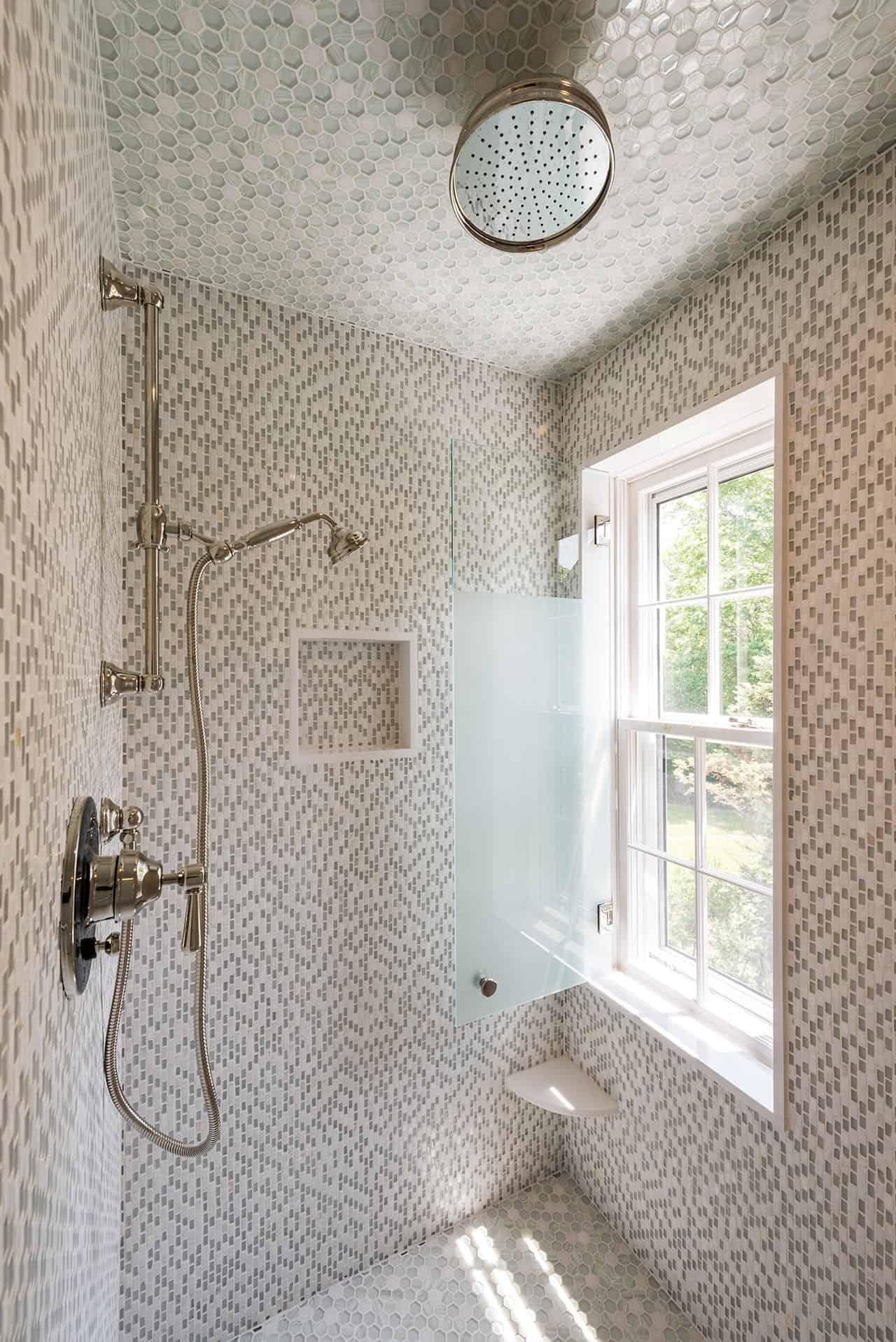 coastal-style-bathroom-shower