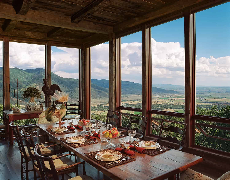 barn-house-dining-room