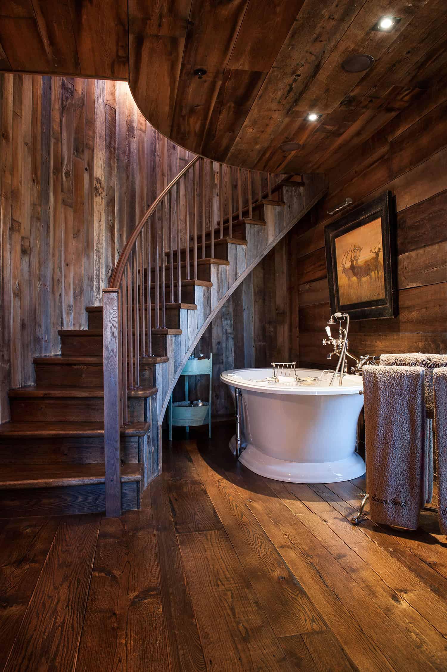rustic-master-bathroom