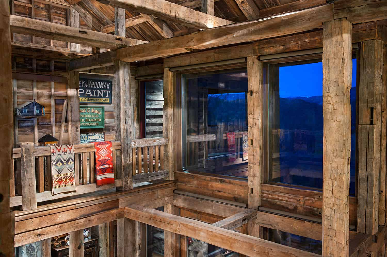 rustic-barn-house-upper-level
