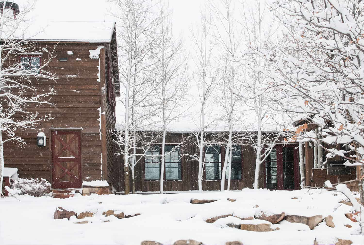 rustic-barn-house-exterior-winter