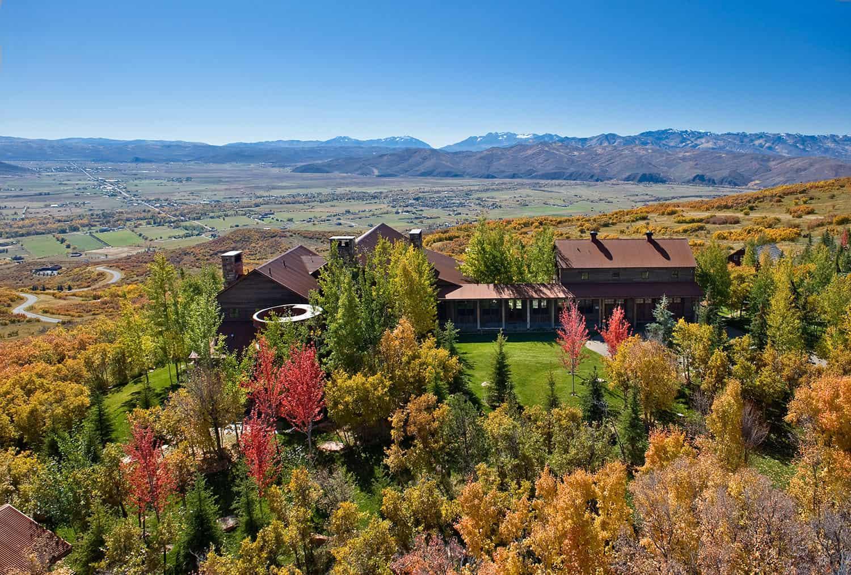 rustic-barn-house-exterior-fall
