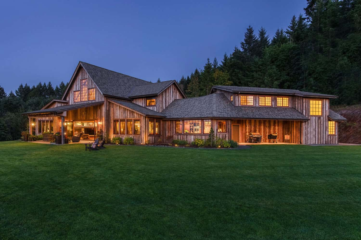 rustic-barn-house-exterior