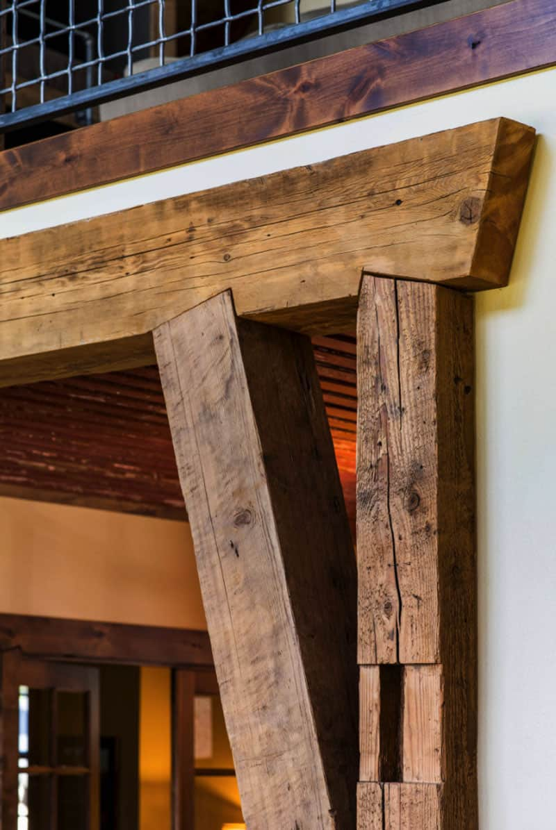 rustic-barn-house-entry-detail