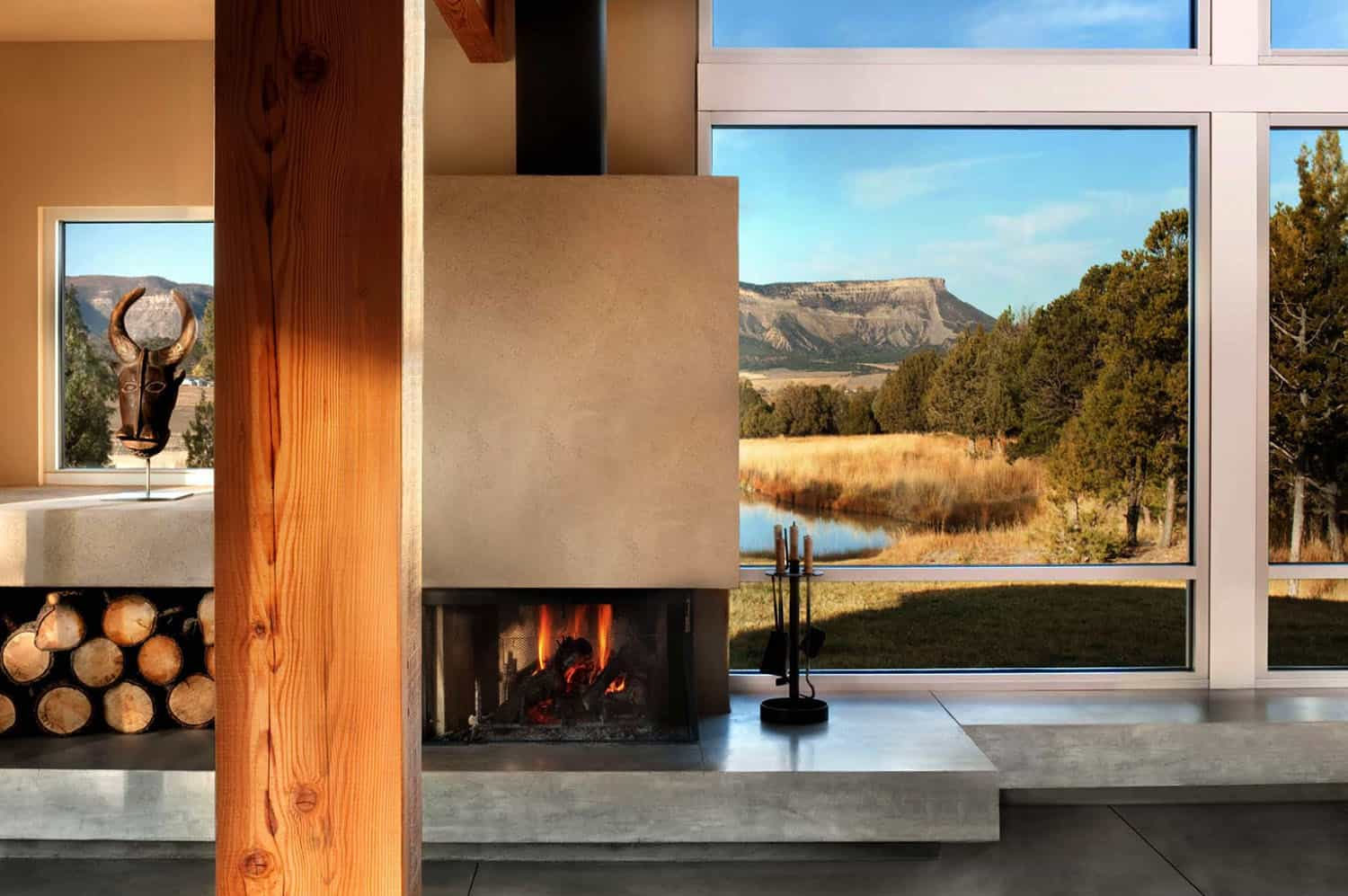 ranch-house-living-room-fireplace