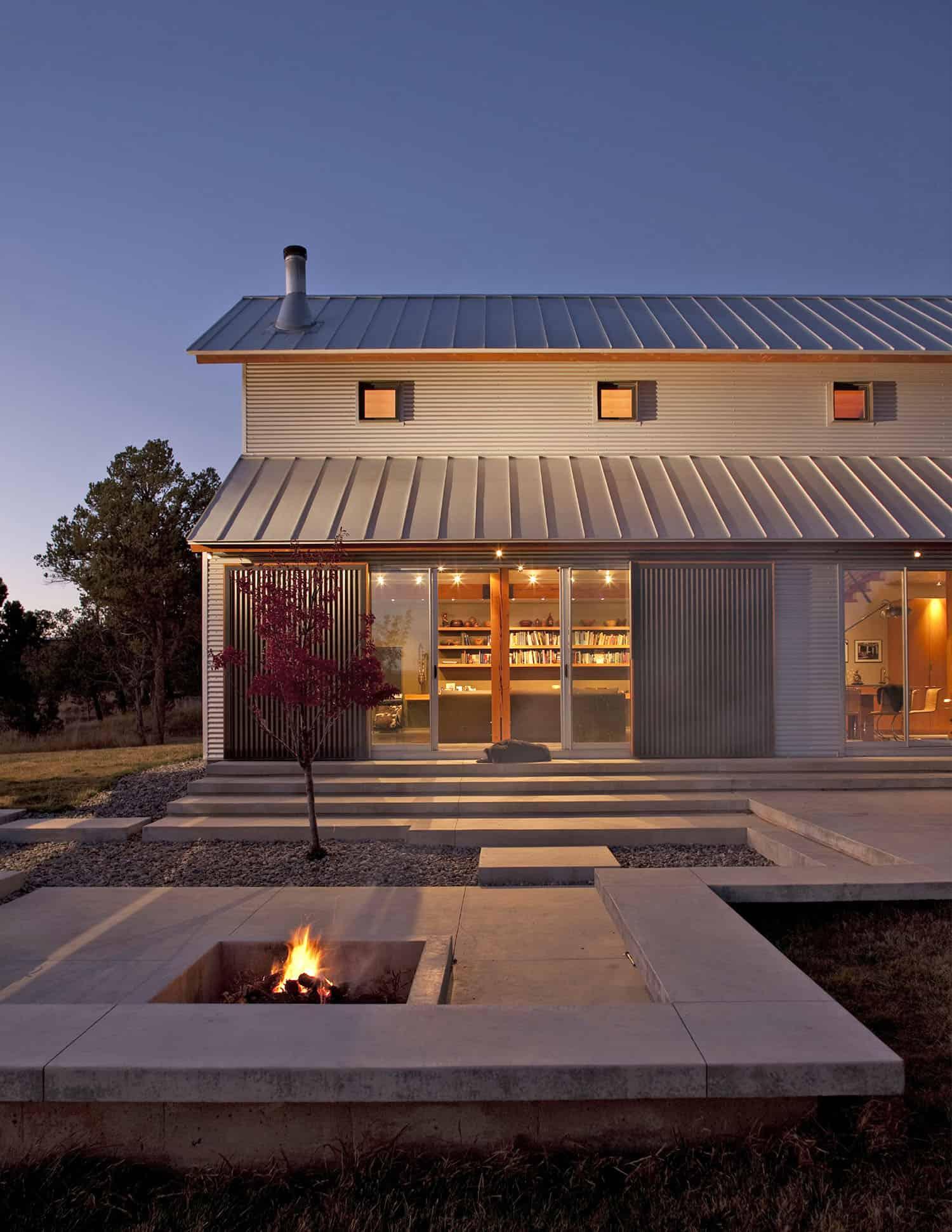 ranch-house-contemporary-patio