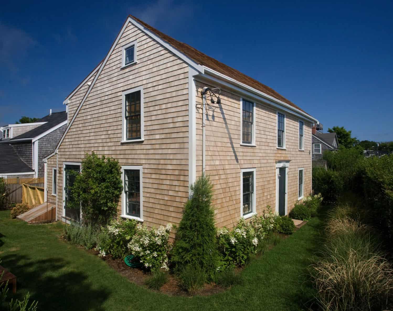 beach-style-timber-frame-house-exterior