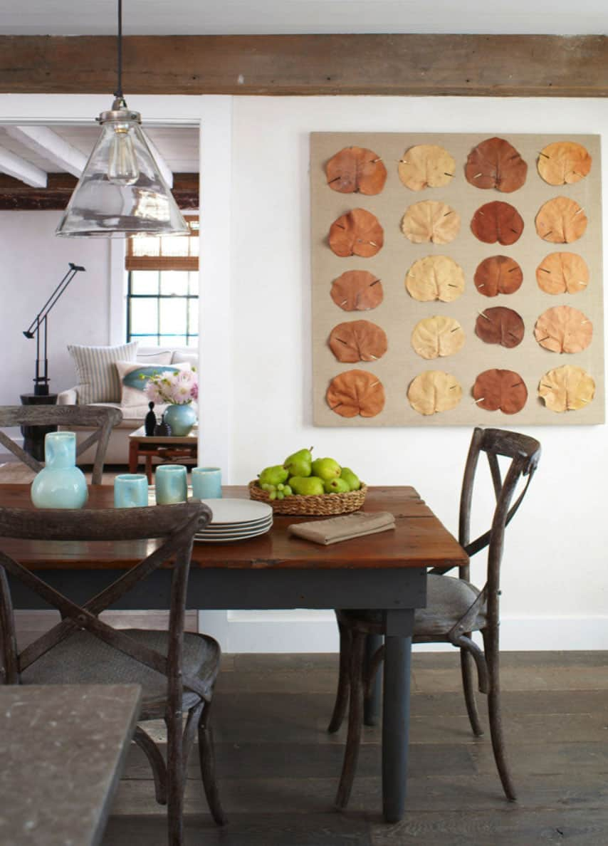 beach-style-timber-frame-house-dining-room
