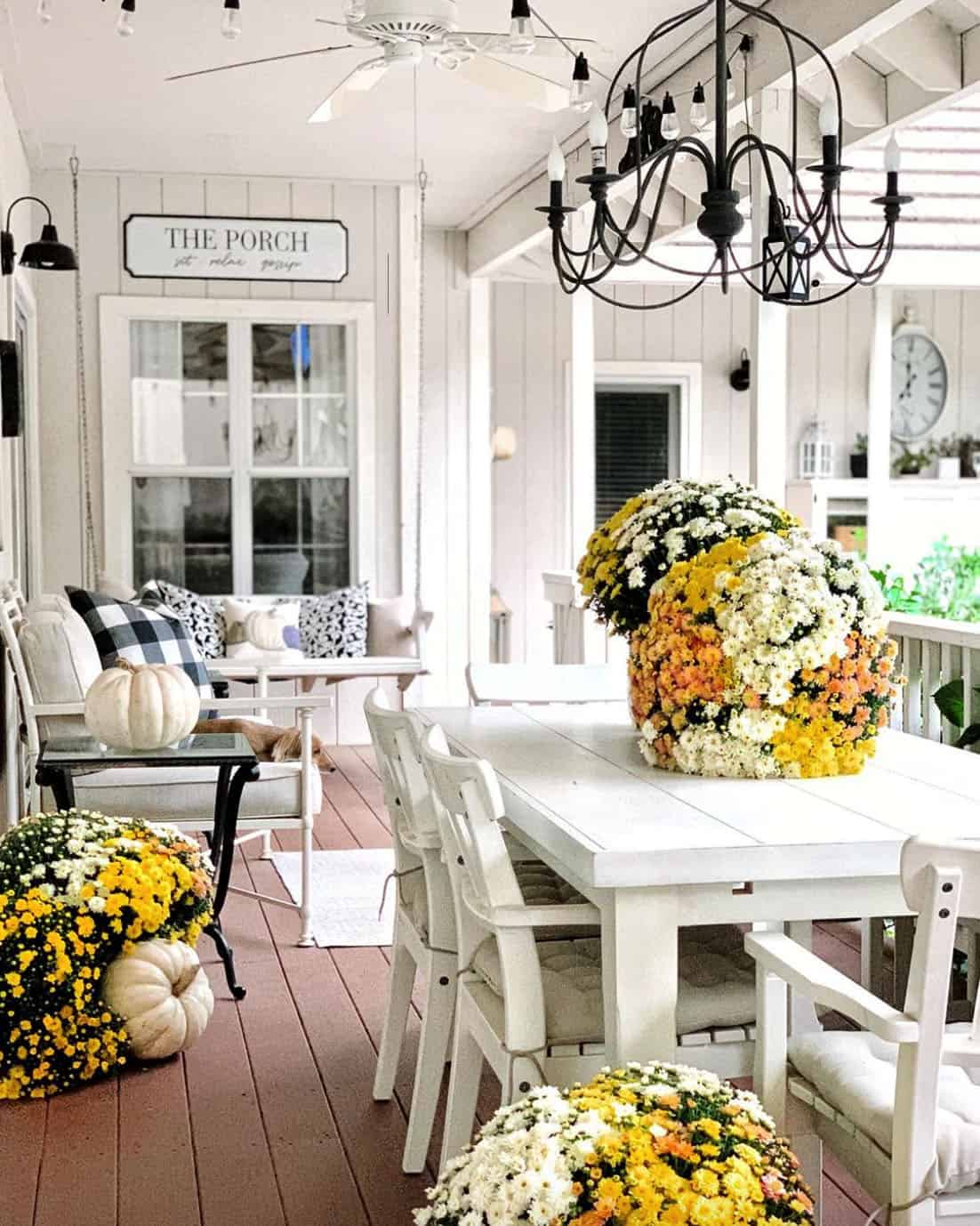 cozy-fall-decorating-ideas-covered-porch