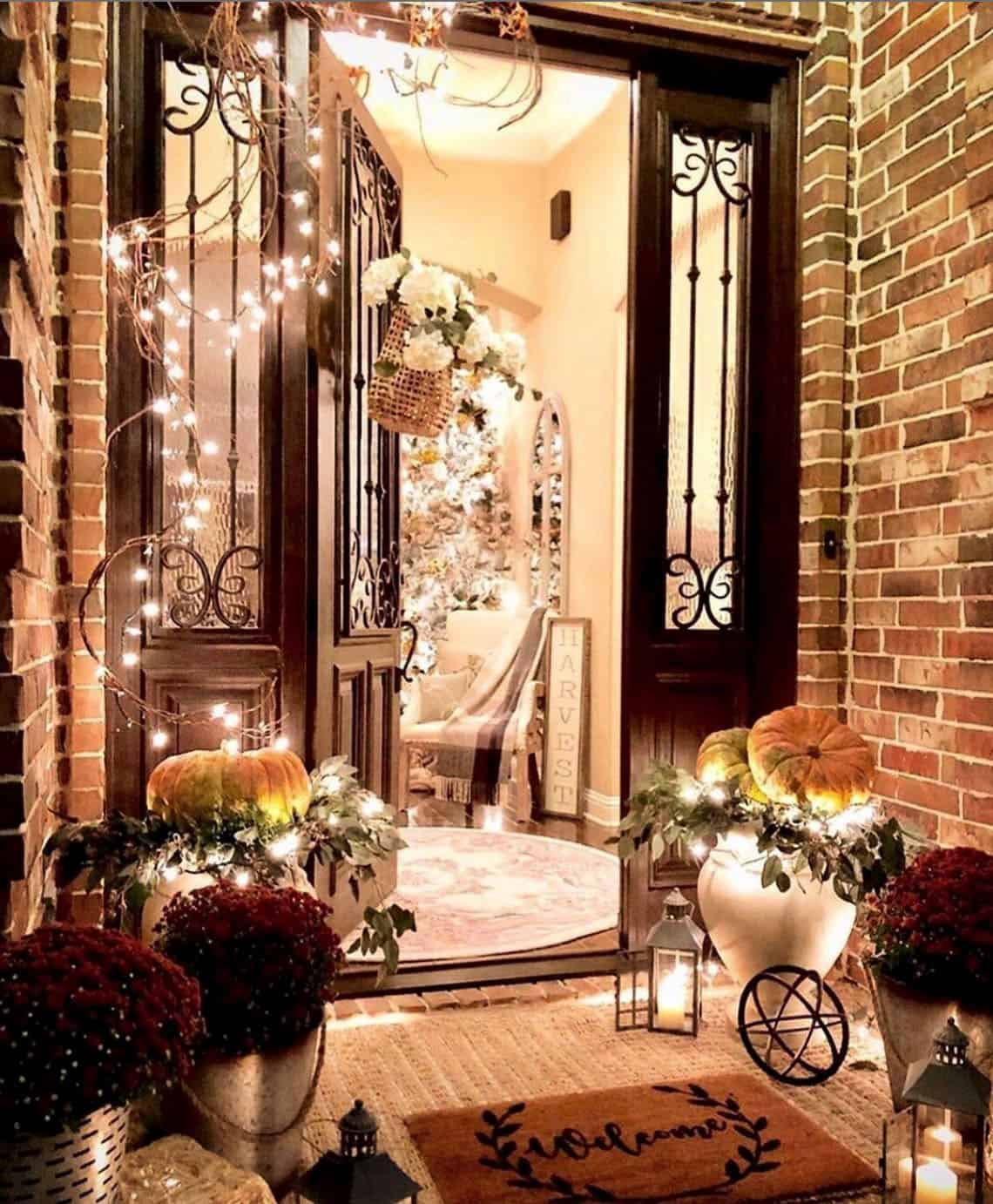 cozy-fall-decorating-ideas-front-door-entry