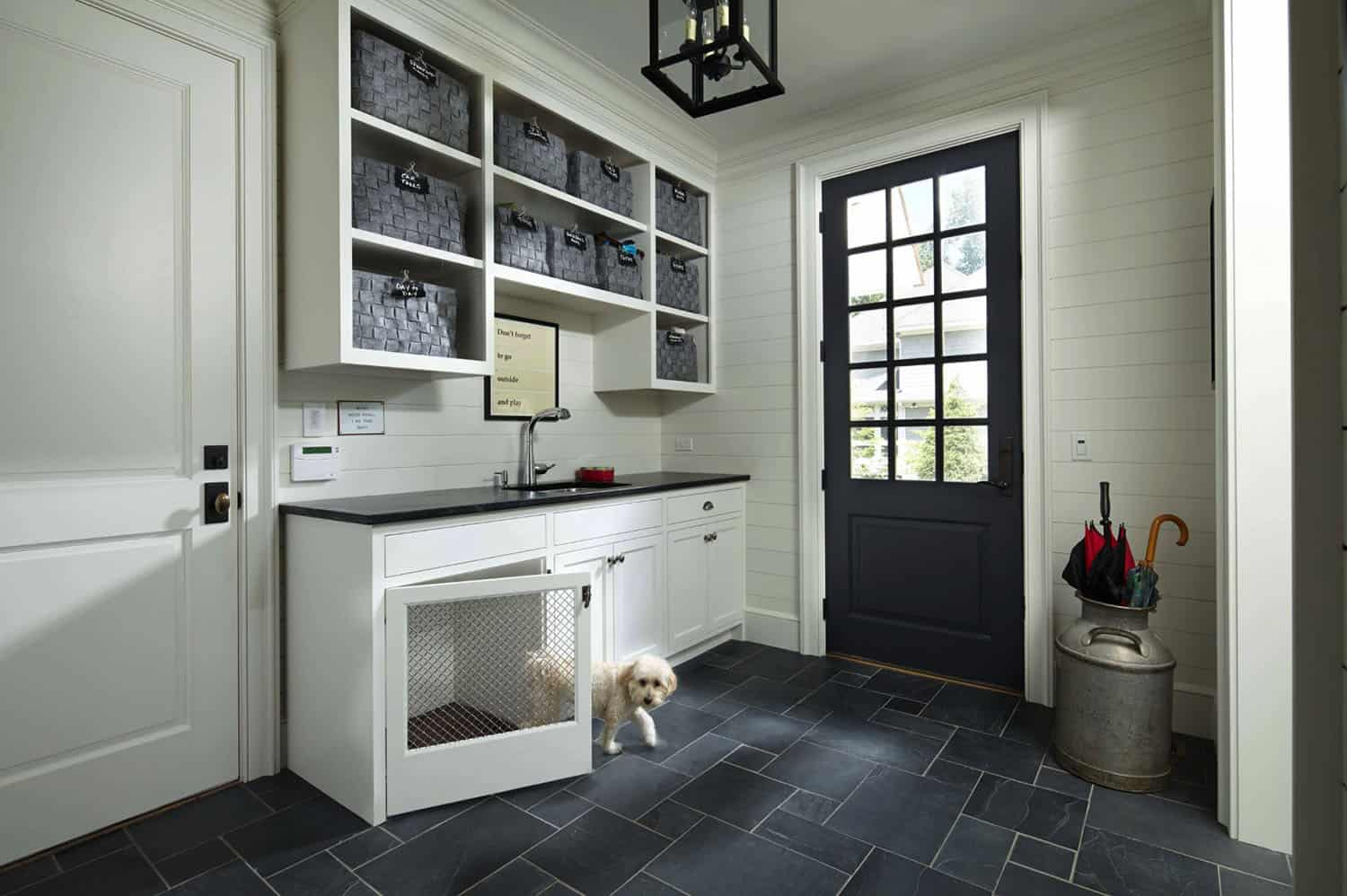 traditional-mudroom-entry