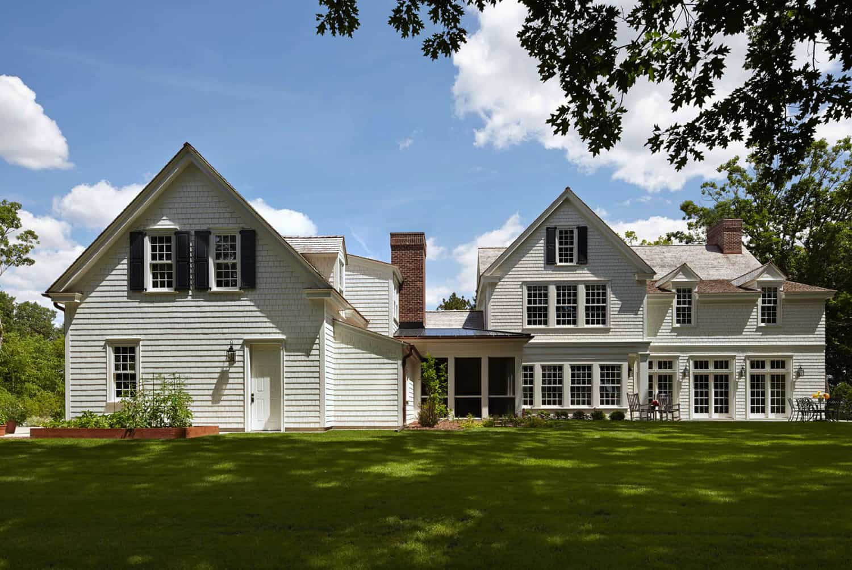 colonial-farmhouse-exterior