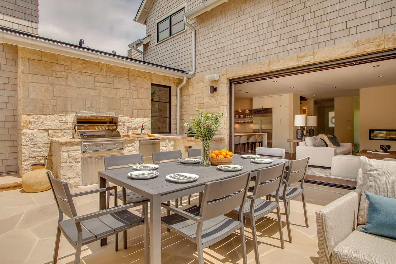 contemporary-home-patio-outdoor-dining