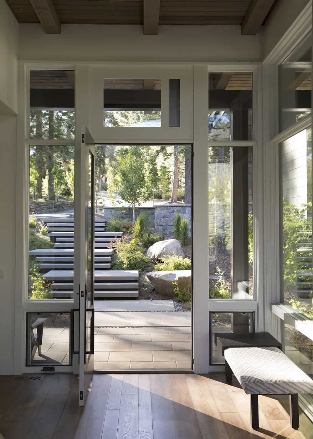 contemporary-mountain-home-entry