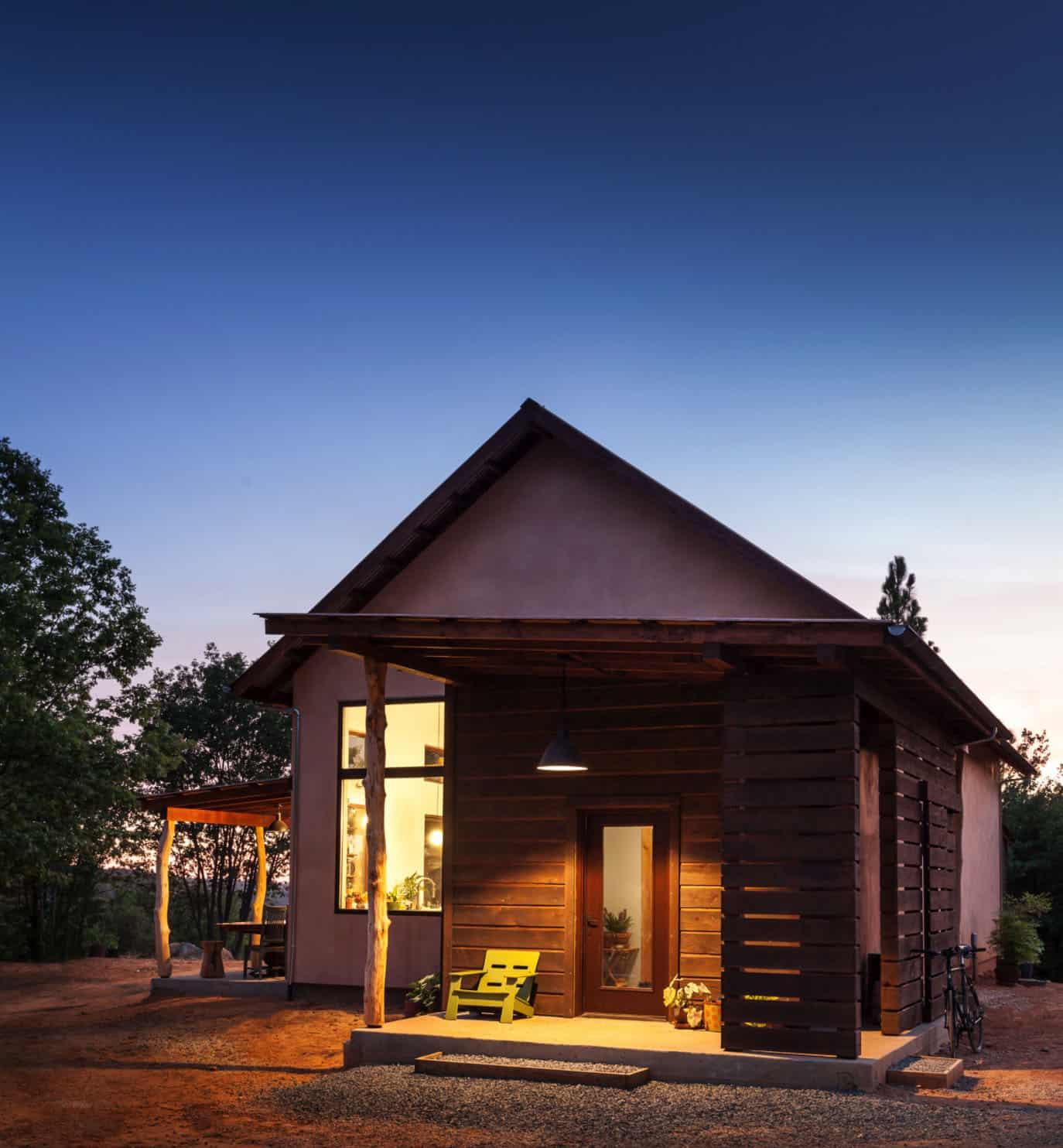 contemporary-net-zero-energy-home-exterior
