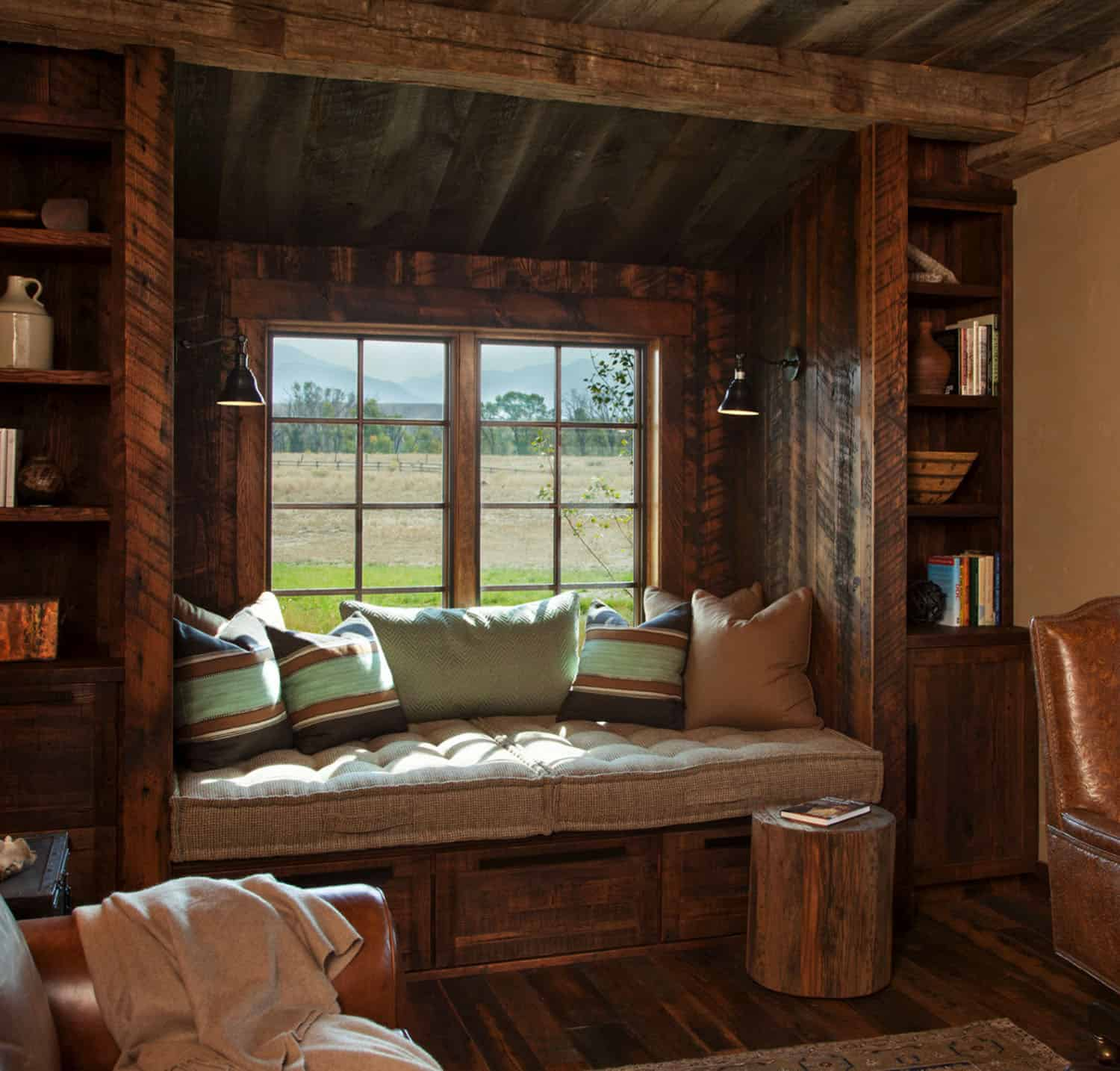 cozy-rustic-reading-nook-home-office