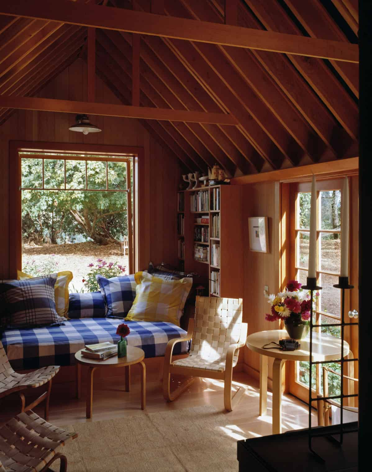 cozy-rustic-reading-nook-ideas