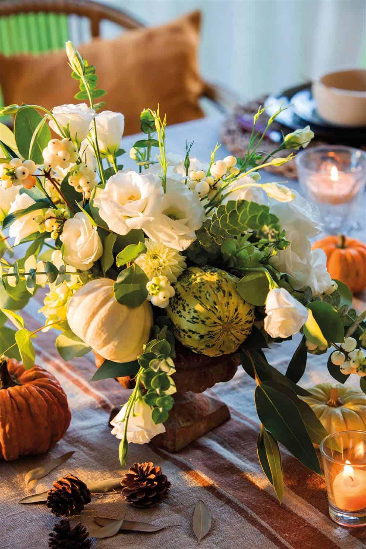 DIY-pumpkin-vase-with-flowers