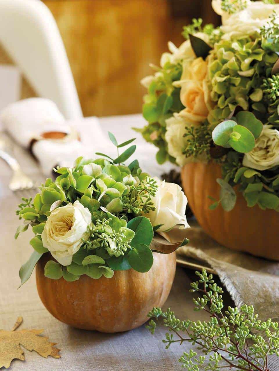 pumpkin-vase-with-flowers