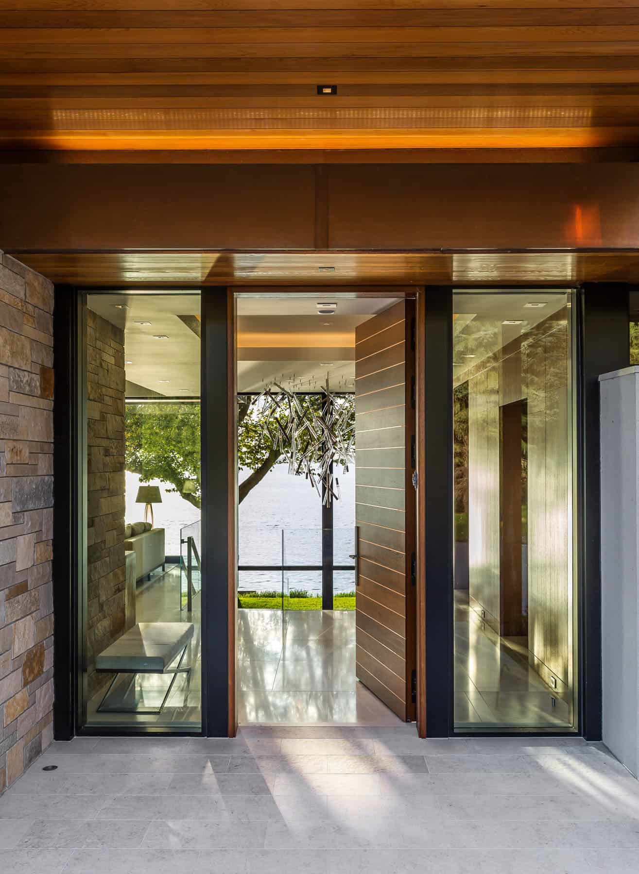 lakeside-home-entry