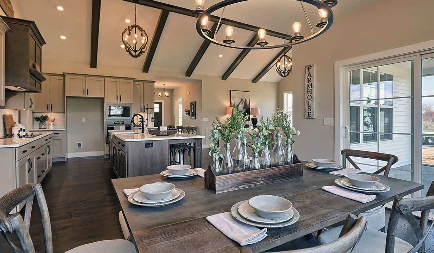 rustic-farmhouse-dining-room