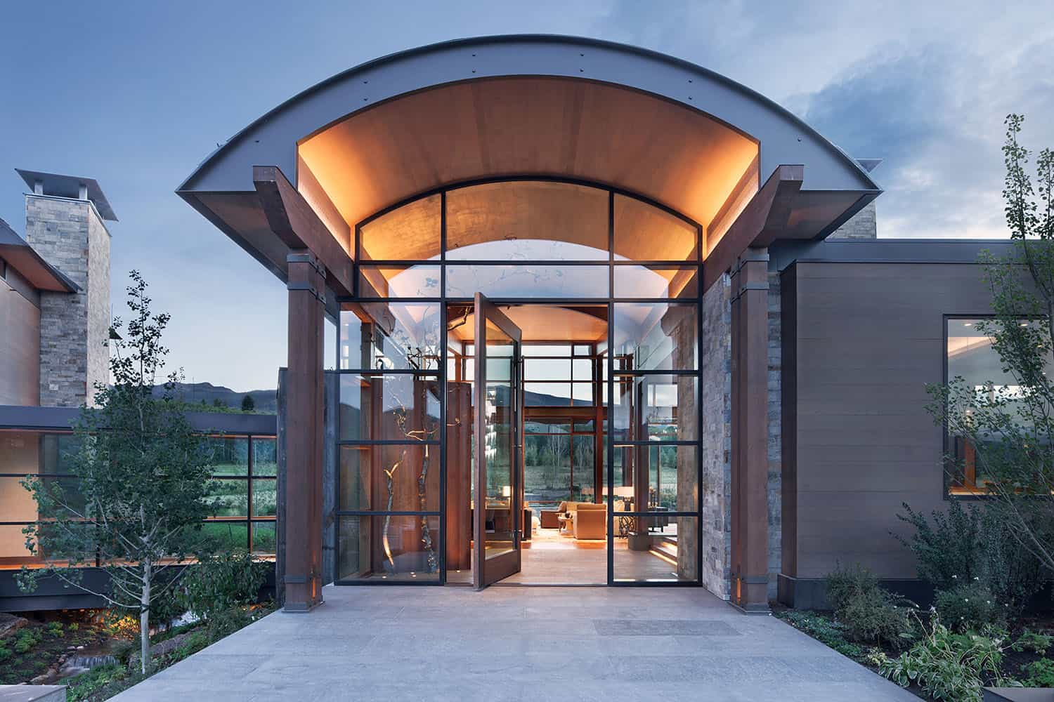 mountain-contemporary-home-entry