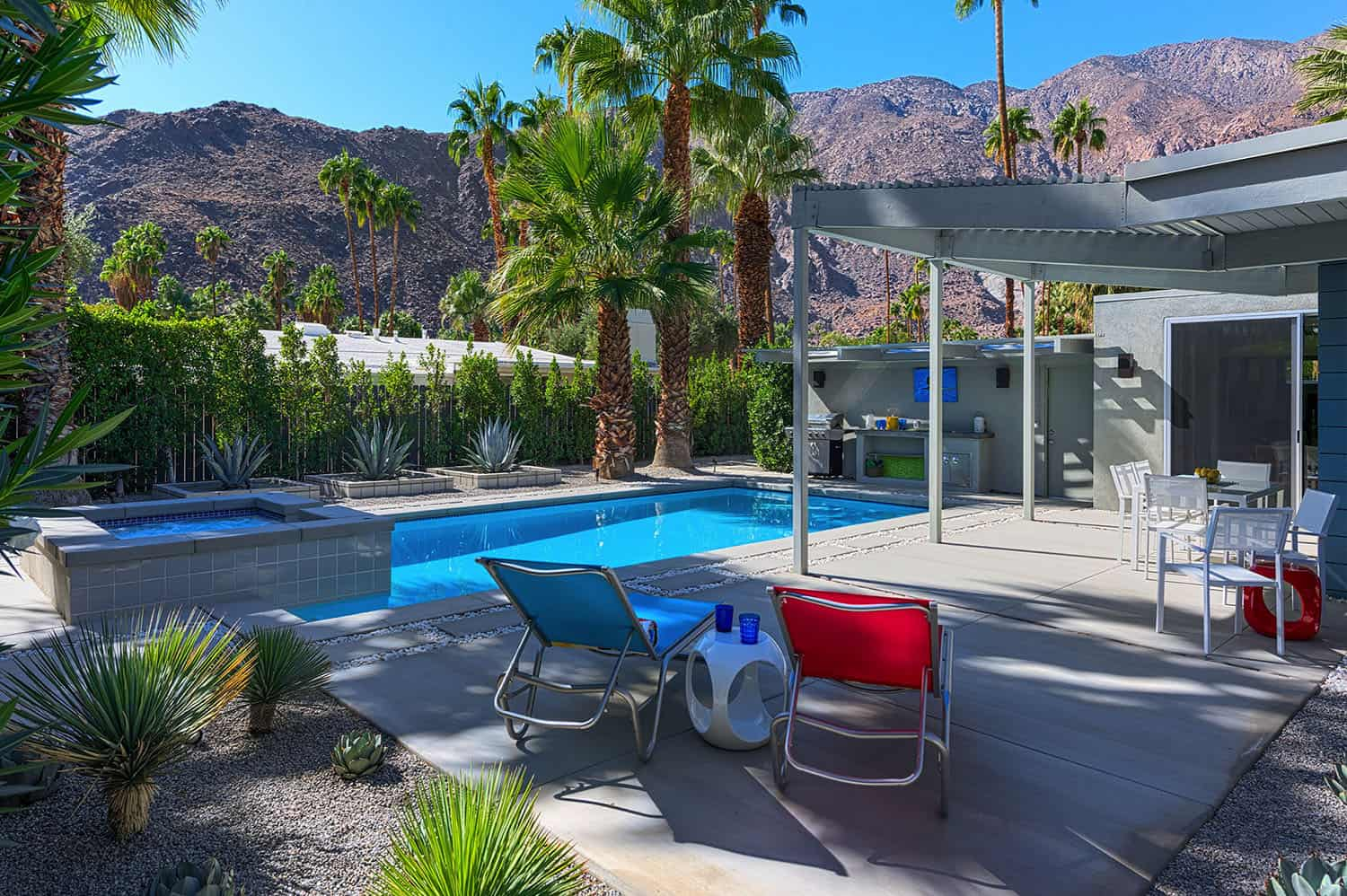 midcentury-pool-and-pergola