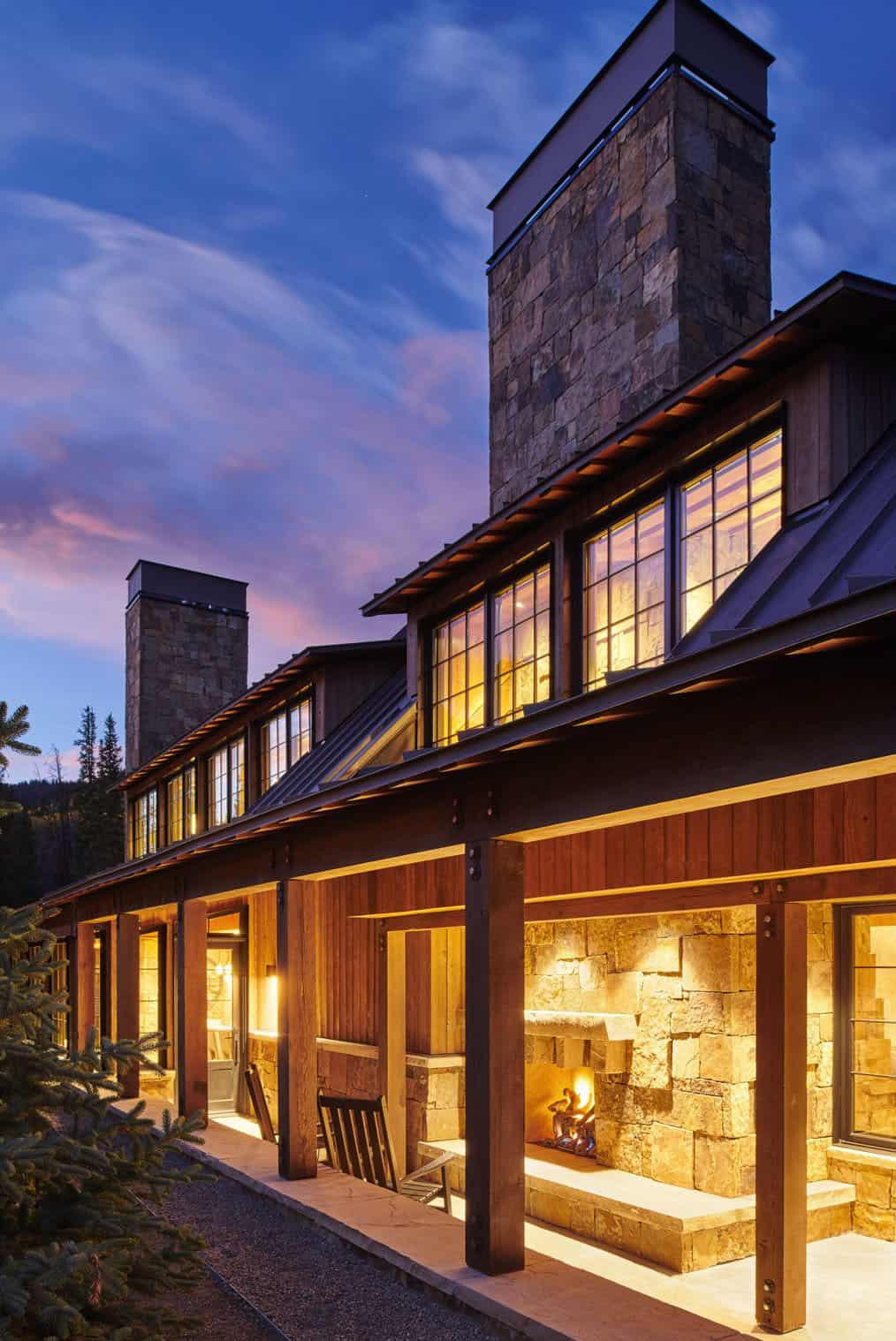 barn-inspired-home-exterior