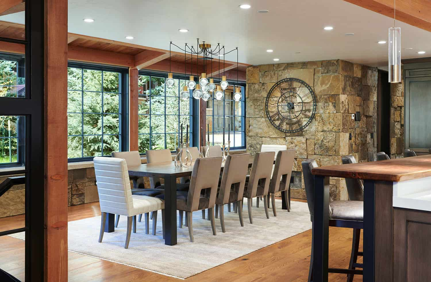 rustic-barn-inspired-home-dining-room